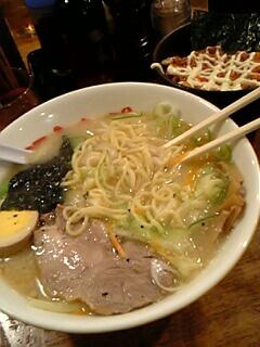 塩野菜ラーメンと韓国風チャーシュー丼