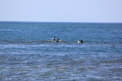 海で波待ち