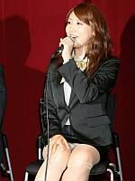 安めぐみがミニスカート姿(※パンチラ)でハイキックするドラマの制作発表会