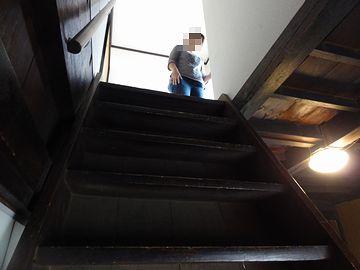 こっそり2階へ