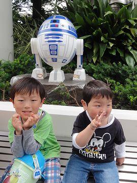 R2-D2はあまり変化なし