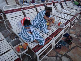 寒かったわー、プール