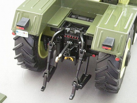 Wiese-toys_MB-trac 1600_06