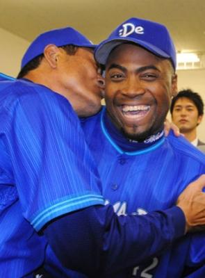 DeNA逆転勝ち!ブランコ 古巣討ち3打点 キヨシ開幕初勝利