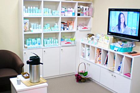 サルビア調剤薬局の待合室
