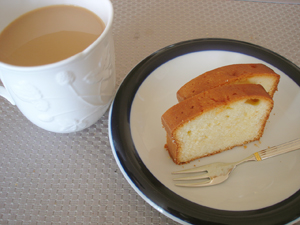 ケーキ&お茶でブレイクタイム♪