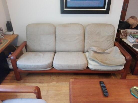 居間のソファー