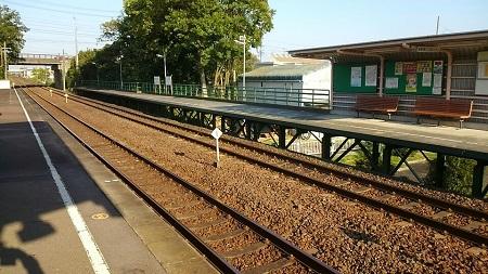 駅にて-2