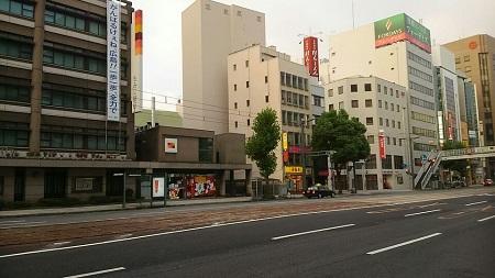 朝の広島市街