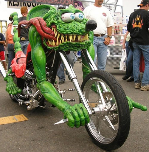 奇抜なバイク!