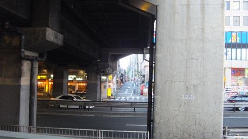 渋谷駅 山手線 陸橋下