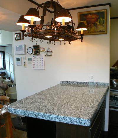 石のキッチンカウンター