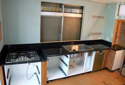 御影石のキッチン