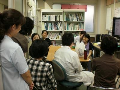 聖路加看護学生の稲井さんの音楽療法についての発表