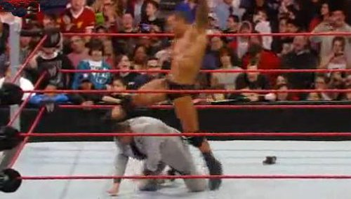 WWEの噂・裏技・裏話_ランディ・オートンのパントキック