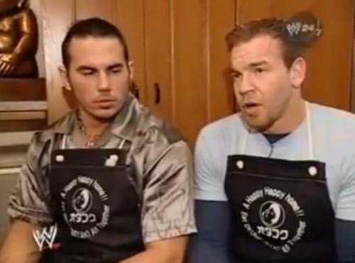 WWEの噂・裏技・裏話_お好み焼きを作るクリスチャンとマット・ハーディー