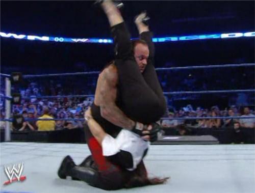 WWEの噂・裏技・裏話_アンダーテイカーのパイルドライバー