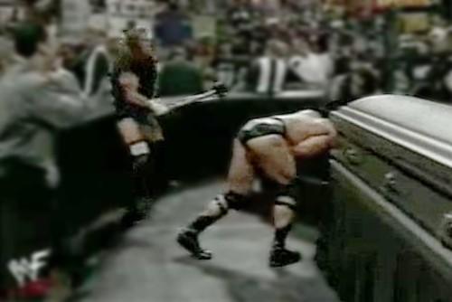 WWEの噂・裏技・裏話_トリプルHのスレッジハンマー