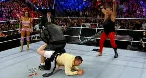 WWEの噂・裏技・裏話_マイケル・コール3