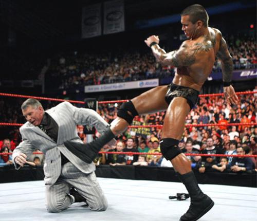 WWEの噂・裏技・裏話_ランディ・オートンのパントキックが禁止された