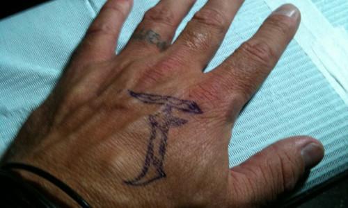 WWEの噂・裏技・裏話_クリス・ジェリコの左手にある2つのタトゥー