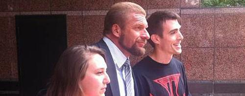 WWEの噂・裏技・裏話_トリプルHがロングヘアーをバッサリカットした