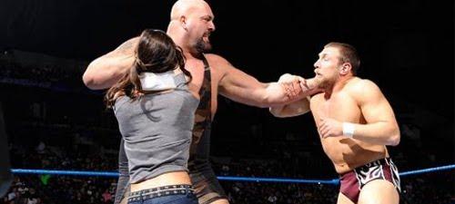 WWEの噂・裏技・裏話_ビッグショーの指のサイズは直径3cm弱