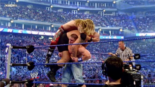 WWEの噂・裏技・裏話_ビッグショーとエッジを同時に担ぎあげたジョン・シナ
