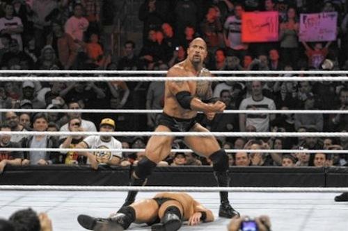 WWEの噂・裏技・裏話_ロックのピープルズエルボーは武藤敬司の技が元となっている