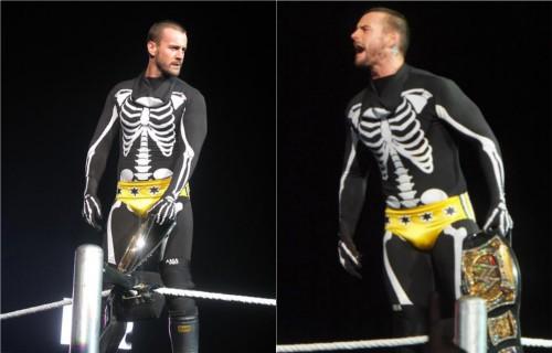 WWEの噂・裏技・裏話_CMパンクがハロウィンに着た衣装