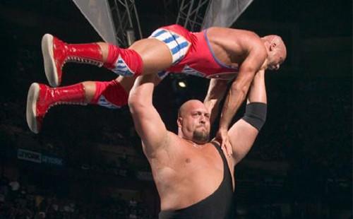 WWEの噂・裏技・裏話_ビッグショーの胸囲が分厚すぎる
