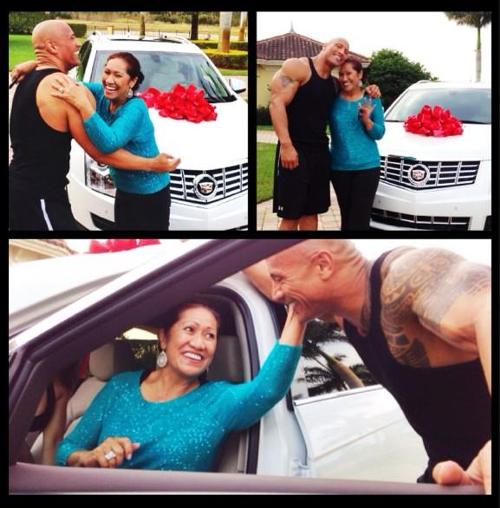 WWEの噂・裏技・裏話_ロックが母親にキャデラックのクリスマスプレゼント