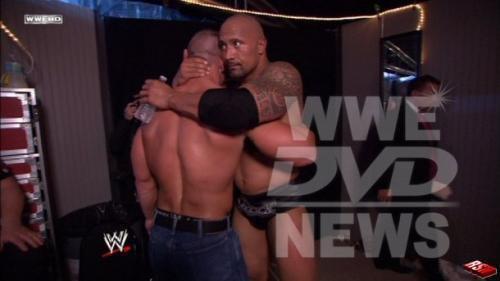 WWEの噂・裏技・裏話_健闘を称えあるロックとシナ