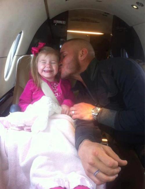 WWEの噂・裏技・裏話_ランディ・オートンが娘にデレデレ