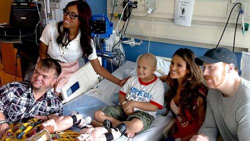 WWEの噂・裏技・裏話_WWEスーパースターの病院訪問