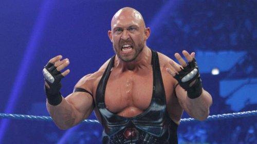WWEの噂・裏技・裏話_ライバックの10代の頃のあだ名が「シルバーバック」だった理由
