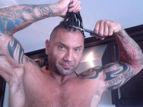 WWEの噂・裏技・裏話_バティスタはWWE引退後、結構すごい髪型をしていた
