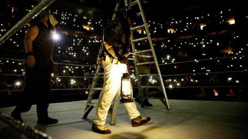 WWEの噂・裏技・裏話_ブレイ・ワイアット入場時にファンが使う身近なものとは