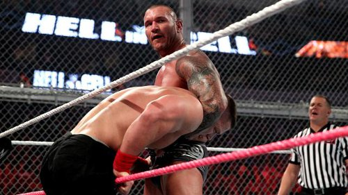 WWEの噂・裏技・裏話_WWEのトップスターの平均年収は