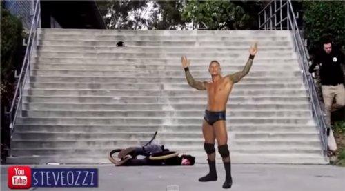WWEの噂・裏技・裏話_ランディ・オートンが誰かれかまわずRKO!合成動画が話題に