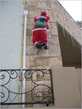 サンタさんロッククライミング!?