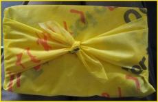 和田の86むすび,ふろしき包み