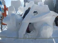 雪像制作中 1