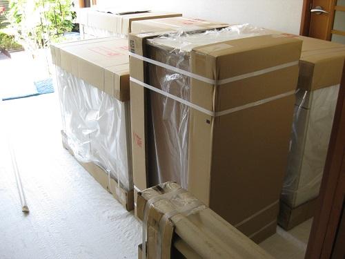 梱包されたシステムキッチンのパーツ 写真2