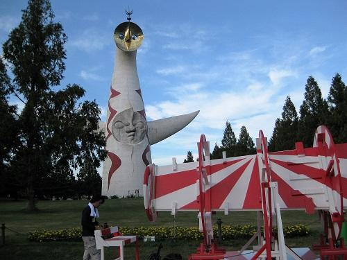 太陽の塔とイベント作品