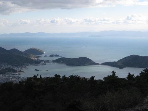 四方指展望台から見た内海湾