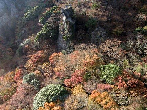 寒霞渓岩と紅葉