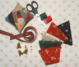 リースの材料と裁縫用具など