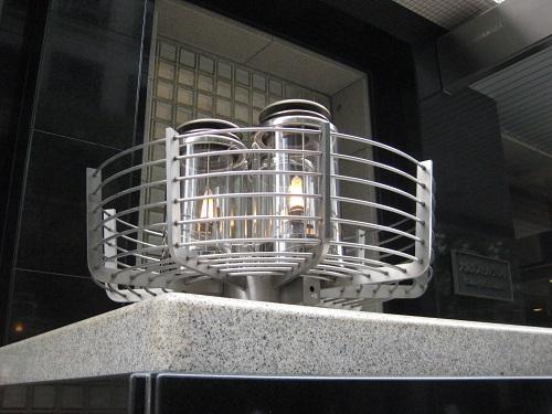 大阪ガスビル 北入口脇のガス燈