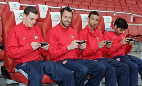 Arsenal_bench.jpg